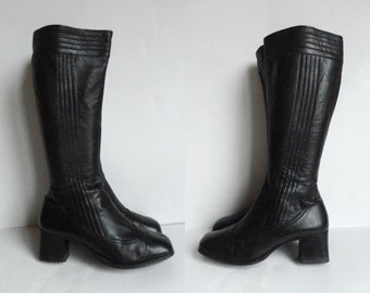 Black 60s Vintage Leather GoGo Boots // Size  38 // Made In Finland
