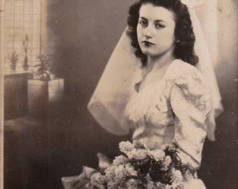 Bonnie, the bored bride - Original Found Photograph, Old photo, Photography, Snapshot, Family photo
