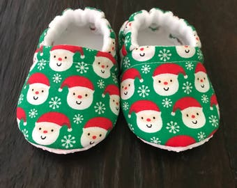 Santa baby booties // Santa crib shoes