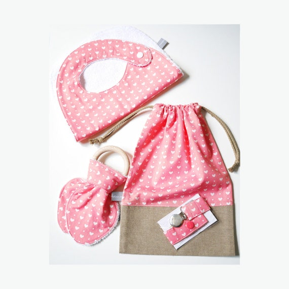 Baby gifts set - Customizable drawstring pouch + baby bib + Teether ring + Pacifier clip - Pink - hearts - Baby shower