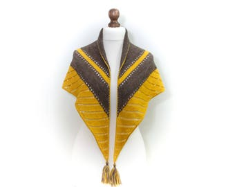Hand knit Triangle scarf Luxury gift Shawl Alpaca wool blend in yellow brown Gift for her Mother gift knit Luxury scarf Perfect for spring