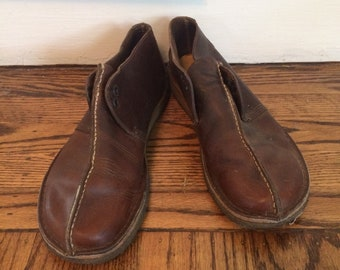 Vintage men's Clarks  gum soles 1970's/80's brown leather shoe. Size 9.5 m