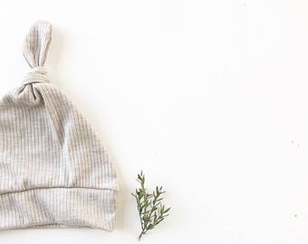 Beanie/Hat - Infant Knot Beanie in Oatmeal Knit