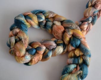 Rose Fiber hand dyed top/roving 'Eastern bluebird' ; Ready to ship!