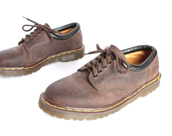 mens size 10.5 DOC MARTENS style brown leather 90s BROGUES 5 eyelets shoes