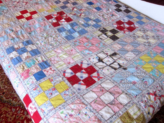 Vintage Quilt floral Shabby Chic 1940s fabric Cutter quilt Handmade blanket Hand Pieced Squares Quilt DES Spring Blanket