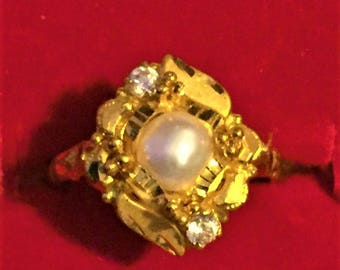 22k gold ring, with pearl, from Nepal