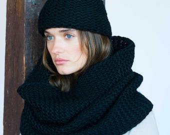 Infinity Scarf / Chunky Knit Scarf / Winter Shawl / Loop Scarf / Wool Scarf / Extra Large Scarf / Designer Scarf / Marcellamoda k - MA0795