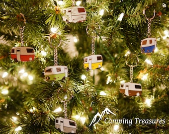 Vintage Trailer Keychain, Christmas Decoration, Camper Christmas, Camping decoration, Camper Ornament, Glamping Gift, Camping Accessory