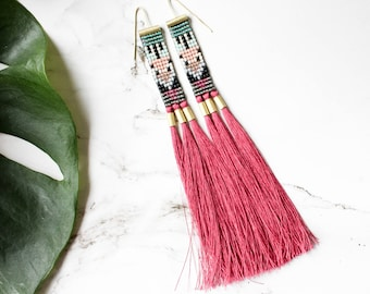 Extra long earrings, beaded earrings, woven earrings, ethnic pattern earrings, beaded earrings, seed bead earrings, long ethnic earrings