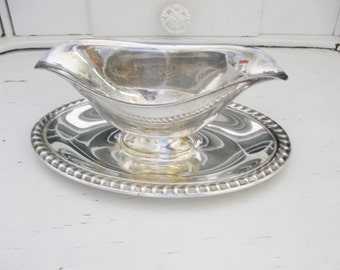 Vintage Silver Plate Gray Boat, Gravy Boast with Attached Under Plate