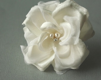 Silk Flower Hair Pin, Bridal Flower Hair Pin, Wedding Hair Accessory, Fower Fascinator