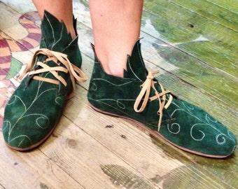 Leaf-shaped shoes