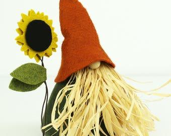 Scarecrow Gnome and Sunflower, VIGGO, Nordic Gnomes, Scandinavian, Gnome Home, Thanksgiving, Gnome, House Gnome, Fall Decorations, Sunflower