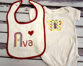 personalized baby gift, embroidered baby bib, personalized body suit, monogrammed, Baby Shower gift, baby gift, embroidered bib, applique