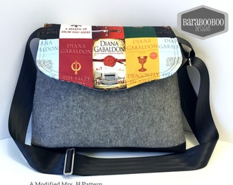 Large Cross Body bag purse in Diana Gabaldon Book Print fabric Jamie