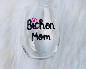 Bichon Mom handpainted stemless wine glass/Bichon gifts/Dog Mom wine glass/Bichon Mom mug/Bichon lover gifts/Bichon Frise Mom wine glass