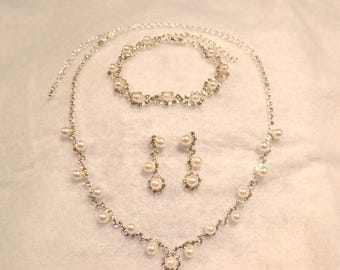 Bridal jewelry set, Necklace Choker bracelet Earring, Crystals and pearl jewelry, Costume Jewelry Wedding Set, prom jewelry set,
