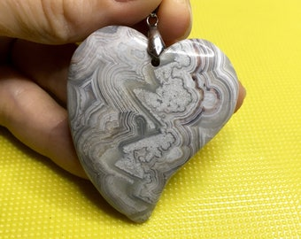 Crazy lace agate heart pendant bead - Make your own jewelry! - DIY jewelry supply - Handmade jewellery supplies