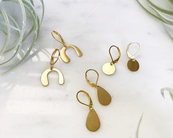 small GOLD DROP EARRINGS | small gold earrings. boho earrings. simple gold earrings. small drop earrings. short dangle