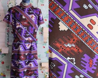 Vintage 1960 1970s Polyester Psychedelic Tribal Print Purple Dress. Medium