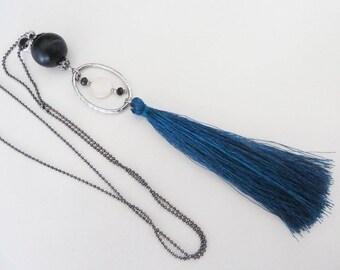 beaded necklace elegant large blue tassel