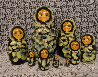 Vintage Floral Matryoshka Russian Nesting Dolls set of Ten