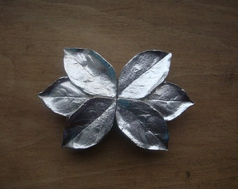 Mimi Di N 1981 Leaf Belt Buckle - Silver Tone, Statement piece