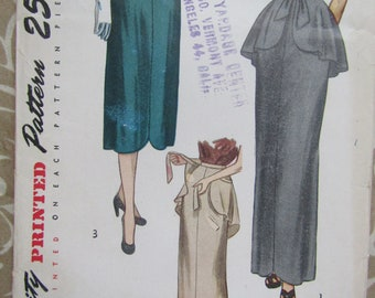 1947 Ladies SIMPLICITY Daytime and Evening SKIRT Pattern With Detachable Peplum