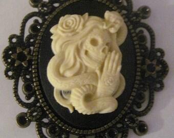 MADE IN FRANCE retro vintage cameo brooch mexican skull roses snake halloween day of the dead gothic sugar skull horror skeleton bones