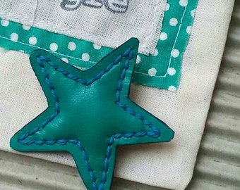 Brooch Leather star Cardigan Lapel brooch star leather colors.