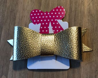 Metallic gold medium hair bow