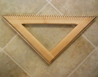 12 inch triangle loom