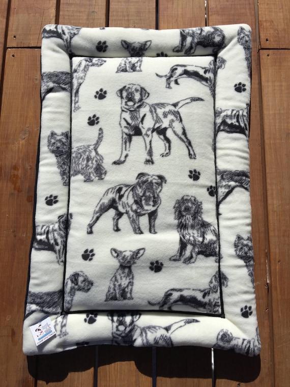 Black White Dog Bed, Kennel Liner, Dog Carrier Pad, Pet Bed, Puppy Bedding, Dog Crate Bedding, Dog House Pads, Large Crate Mat, Dog Mat