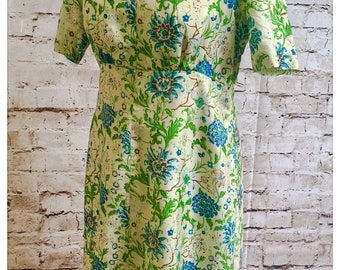 Vintage Thai silk hand woven dress. Beautiful floral detail.