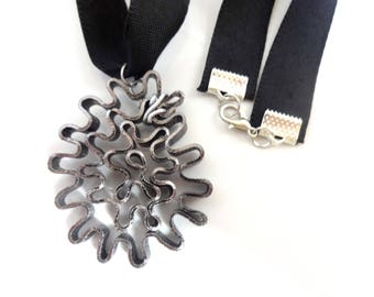 Handmade necklace pendant flat wire and black ribbon - aluminum-
