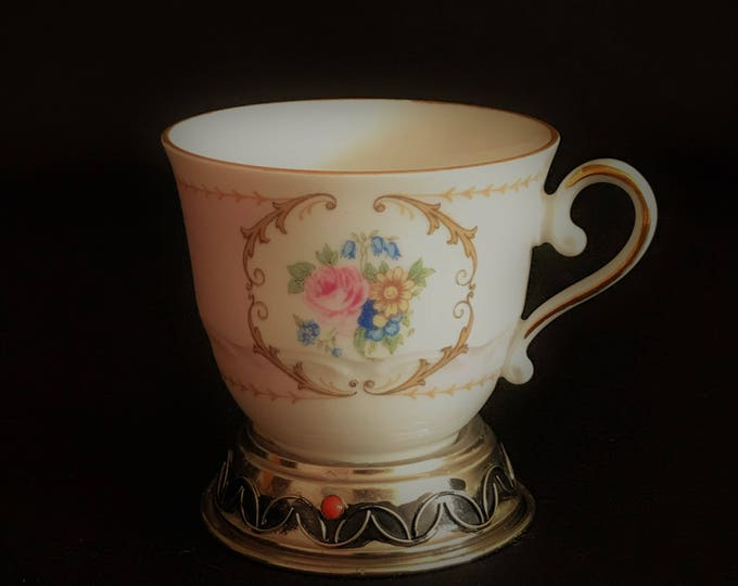 Cup of fine porcelain by Bavaria Fabriacada in Germany
