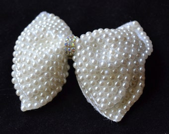 Pearl hair bow, wedding hair bow, bridal hair accessory, White hair bow, flower girl , hair jewelry