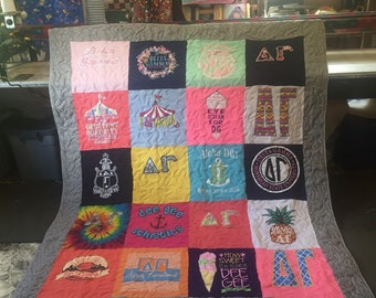 T-Shirt Quilt no sashes! Twin size, full size, queen size or king size quilt! Perfect graduation quilt, or wedding quilt!