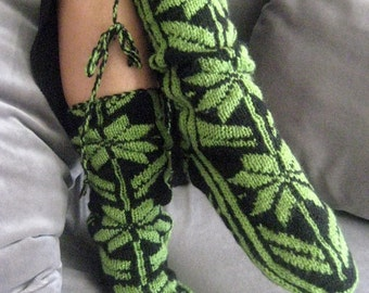 Snow, Pattern ,Warm ,Black and Green ,Wool Slippers