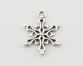 10pcs 15x20mm Christmas Snowflake Charms Jewelry Pendants Findings A