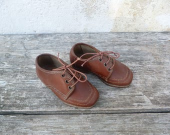 Vintage Antique 1930/30s baby shoes/ brown leather