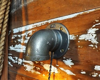 Pipe lamp sconce Industrial wall light Machine age lamp Steam Punk lantern