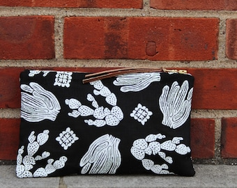 Cactus Linen Pouch. Southwestern style zipper bag. Gifts for cactus lovers.