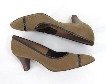 Vintage Tweedies Heel Shoe - NOS - Taupe Suede, brown trim - 1960s - shoe printed size 7.5 AA
