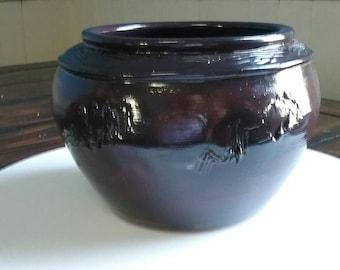 Stoneware pot, by Tracy Brent Howard.