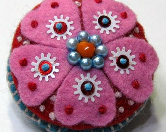 Pink Explosion - Flowery Felt Pin