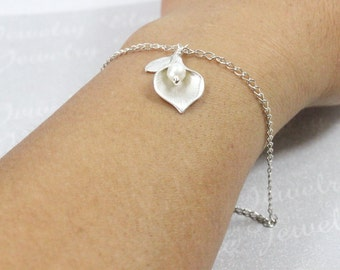 Personalized Silver Calla Lily Bracelet,Silver Calla Lily Jewelry,Calla Lilly. Initial Calla Lily Bracelet ,Bridesmaids gift, Wedding gift