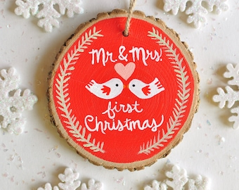 Mr and Mrs Ornament, First Christmas Ornament, Newlywed Gift, Married Ornament, Personalized Couple Ornament, Rustic Wedding Ornament
