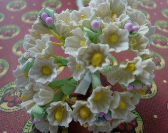Vintage White Posies NOS from the 1950s